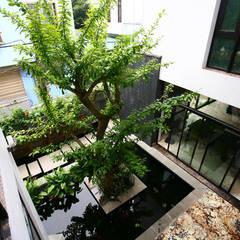 Corridor & hallway by Công ty thiết kế xây dựng Song Phát