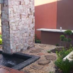 Jardines de estilo  por Japanese Garden Concepts,