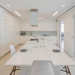 置入式廚房 by FABRI