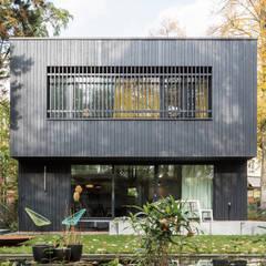 REANIMATION - Außenaufnahme:  Häuser von SEHW Architektur GmbH