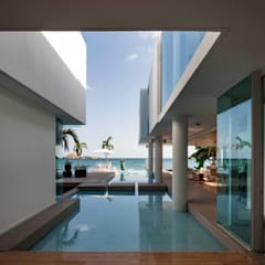 Casa Mar: Piscinas de estilo minimalista de Mallol Arquitectos