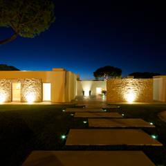 Moradia em Vilamoura por Castello-Branco Arquitectos, Lda Moderno Betão