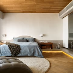 Casa N: modern Bedroom by Another Design International