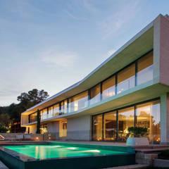 Proyecto de vivienda unifamiliar aislada CASA KLAMAR. Valencia: Casas unifamilares de estilo  de Mano de santo - Equipo de Arquitectura