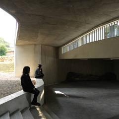 Garage/shed by 形構設計 Morpho-Design