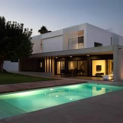 Proyecto de vivienda unifamiliar aislada CASA FORMENT. Valencia: Casas de estilo  de Mano de santo - Equipo de Arquitectura
