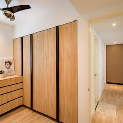 NAUTICA LAKESUITES CONDOMINIUM , KL:  Dressing room by BND STUDIO