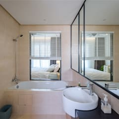 NAUTICA LAKESUITES CONDOMINIUM , KL:  Bathroom by BND STUDIO, Scandinavian