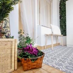 Detalle de la terraza cubierta: Terrazas de estilo  de Home Staging Bizkaia