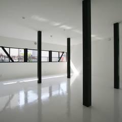 分割可能な子供室: 石川淳建築設計事務所が手掛けた子供部屋です。