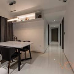 27 Anchorvale Crescent, Bellewaters:  Corridor, hallway by VOILÀ Pte Ltd,