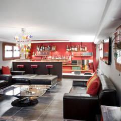 Intérieur péniche: Salon de style de style Moderne par réHome