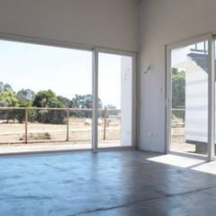 Vista interior: Livings de estilo  por MAC SPA