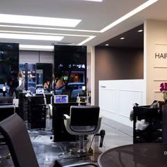 사람들의 이야기가 먼저 반기는 곳, 운중동 헤어샵 HAIR TALK_By 디자인담다: 디자인담다의  상업 공간