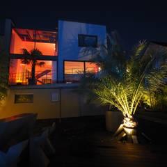 Lichtdesign Villa:  Villa von Bolz Licht & Wohnen