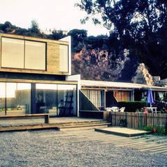 Casa Pazols: Casas unifamiliares de estilo  por m2 estudio arquitectos - Santiago