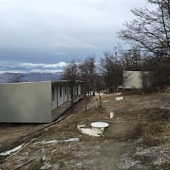 Modulos Prefabricados Staff Hotel Awasi Patagonia: Casas de estilo  por m2 estudio arquitectos