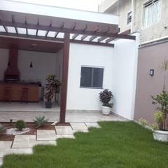Jardin de rocaille  de style  par Santi Arquitetura e Engenharia