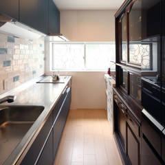 碧の家 〈renovation〉– 100年を紡ぐ物語 –: atelier mが手掛けたシステムキッチンです。