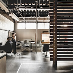 Offices & stores by 達譽設計
