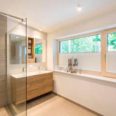 HAUS S+N:  Badezimmer von AL ARCHITEKT - Architekten in Wien