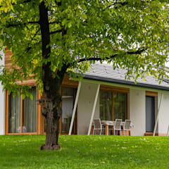 Prefabricated home by Woodbau Srl