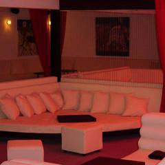 Bares y clubs de estilo  por DISEÑO DE BARES Y RESTAURANTES B&Ö  Arquitectura, decoración, diseño de interiores y Muebles