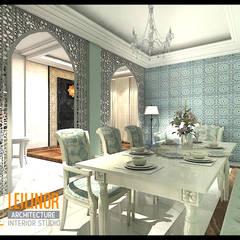 Classic Residential: Ruang Makan oleh CV Leilinor Architect,