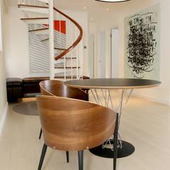 Comedores de estilo moderno de B Squared Design Limited Moderno