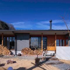 鳴滝山の家: 中澤建築設計事務所が手掛けた家です。