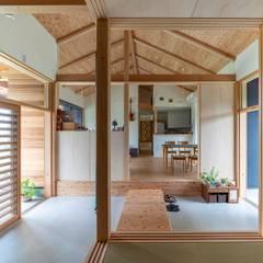 八千種の家: 中澤建築設計事務所が手掛けた廊下 & 玄関です。