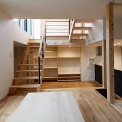 武庫之荘の家 ラスティックデザインの ダイニング の 中澤建築設計事務所 ラスティック 無垢材 多色