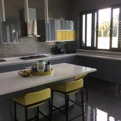 Built-in kitchens by K+A COCINAS Y ACABADOS DE MONTERREY SA DE CV,