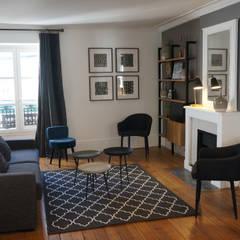 espace salon: Salon de style  par Laure van Gaver