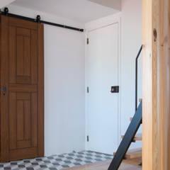 Corridor & hallway by aponto, Industrial