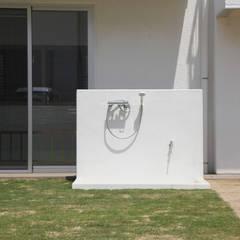 園庭のシャワー: atelier mが手掛けた学校です。