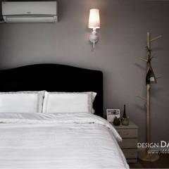 북유럽 감성을 담은 따스하고 환한 아파트  양지마을 펜테리움 34평 아파트_: 디자인담다의  침실,