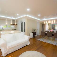 세지붕 한가족 컨트리스타일 거실 by HBA-rchitects 컨트리