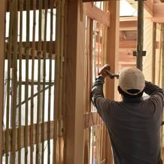 竹小舞: 水野設計室が手掛けた壁です。
