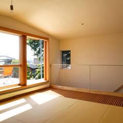 笠舞本町の家: 有限会社建築計画が手掛けた寝室です。