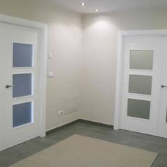 Glass doors by Almacén de Carpintería Gómez