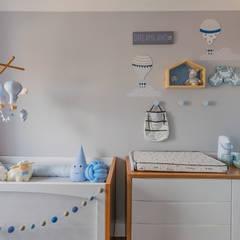 Dormitorios de bebé de estilo  por NOMA ESTUDIO,