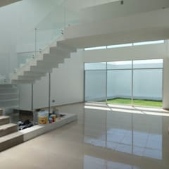 Corridor, hallway by Marol arquitectura