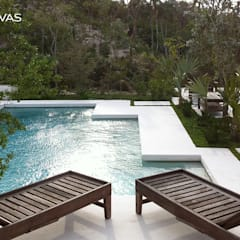 piscina: Piscinas de jardim  por CHUVAS arquitectura