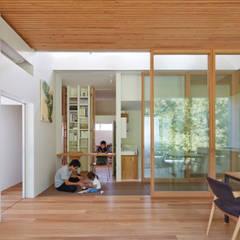 เรือนกระจก โดย 藤原・室 建築設計事務所,