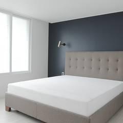 고급스럽고 모던한 신혼집, 잠실 리센츠아파트 33평: 홍예디자인의  침실