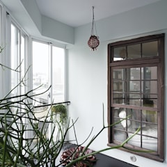 Wooden windows by 禾光室內裝修設計 ─ Her Guang Design,