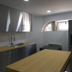 Cozinha: Hotéis  por PROJETARQ