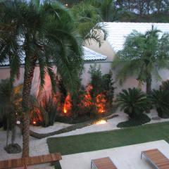 สวน by Renata Esbroglio Arquitetura