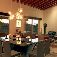 Control de iluminación y automatización casa inteligente: Electrónica de estilo  por Green Lightech Co.